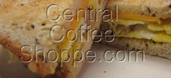 central-coffee-shoppe-st-petersburg-fl-breakfast-egg-sandwich-with-sausage-04